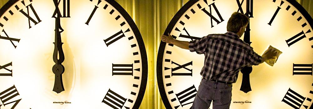 Yaz Saati Uygulaması ve Eleştirmenin Dayanılmaz Hafifliği